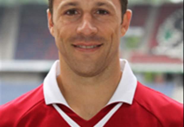 Steven Cherundolo bleibt bis 2014 bei Hannover 96