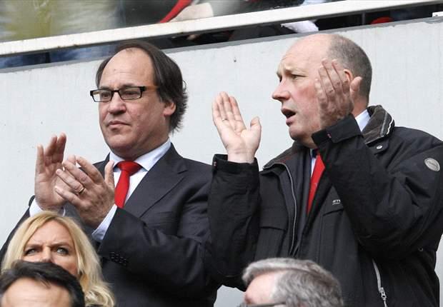 Van der Aat neemt afscheid van Ajax
