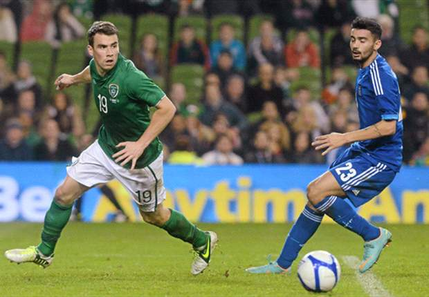 Seamus Coleman in talks over new Everton deal
