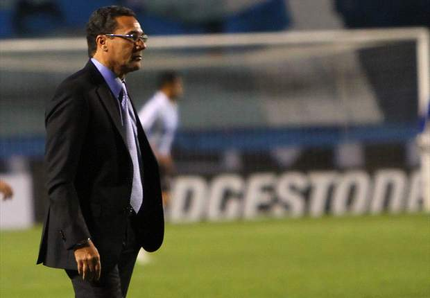 Luxemburgo acerta renovação e fica no Grêmio por mais dois anos