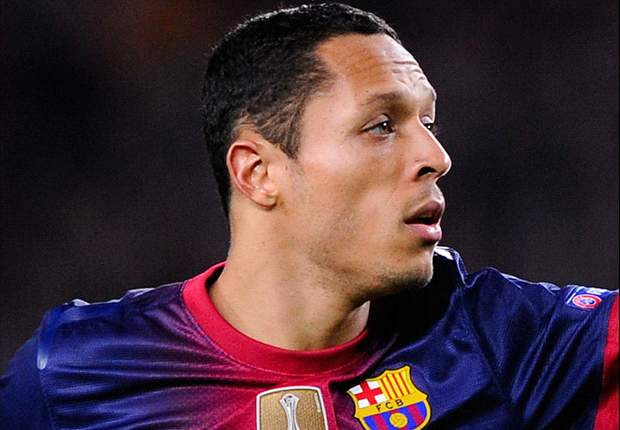 Adriano delighted to sign Barcelona extension
