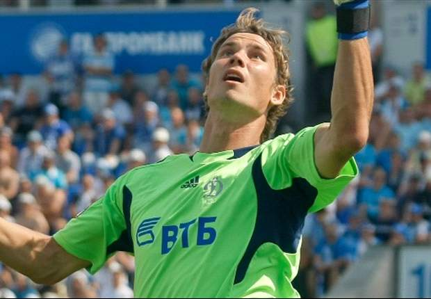 Calcio incivile in Russia: sospeso match Dinamo-Zenit, un petardo colpisce il portiere Shunin (VIDEO)