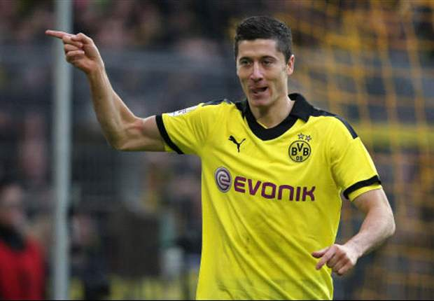 Juventus step up Lewandowski interest