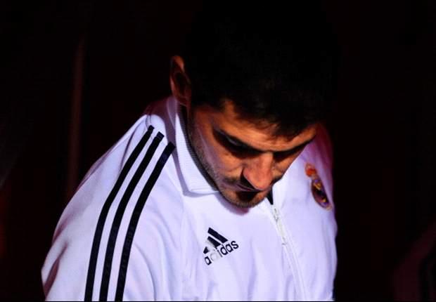 Casillas se aleja del Real Madrid por las críticas