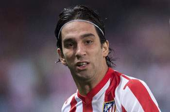 Chelsea leads chase to sign Arda Turan