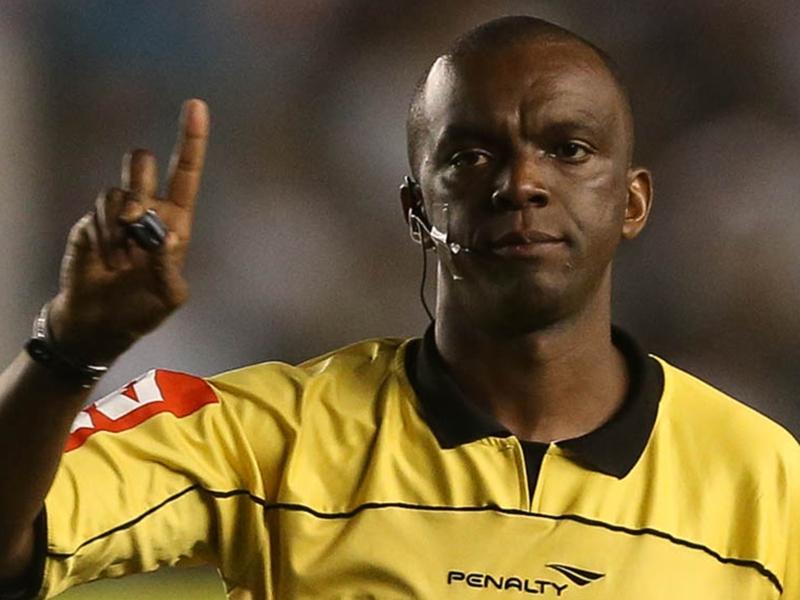 Em uma coisa, Santos e Palmeiras concordam: a arbitragem foi péssima