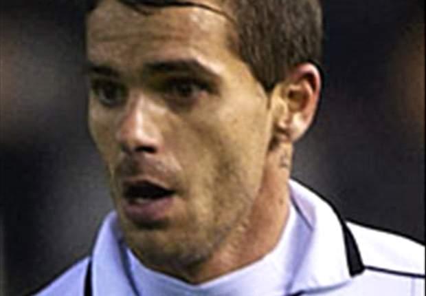 Fernando Gago se retira lesionado