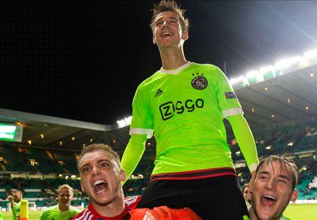 Invaller Černý redt Ajax in extremis