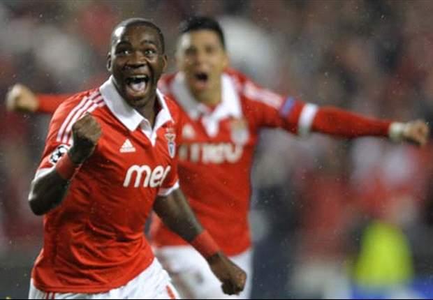 Benfica ontsnapt in extra tijd met penalty