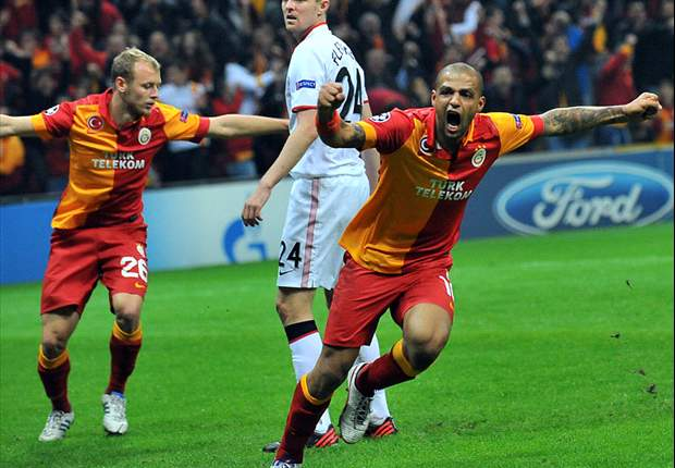 Galatasaray 1-0 Manchester United: Burak header defeats youthful visitors
