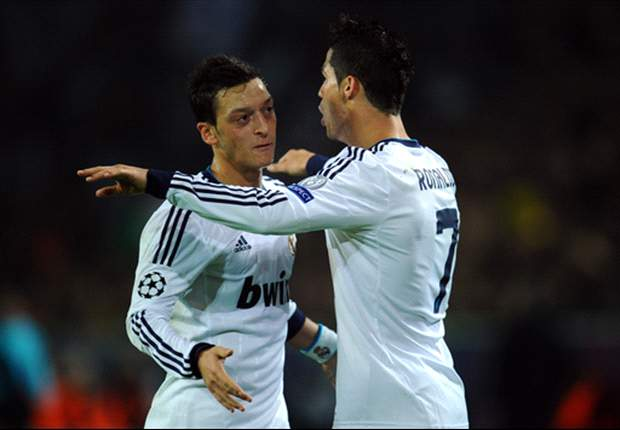 Ozil believes Ronaldo should win the Ballon d'Or