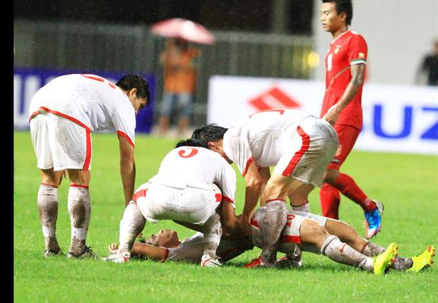 Vietnam's Dao Van Phong to miss rest of AFF Suzuki Cup group matches after fracturing ribs