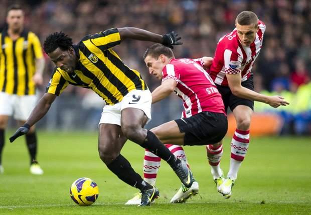 Vitesse verslaat PSV in voetbalshow