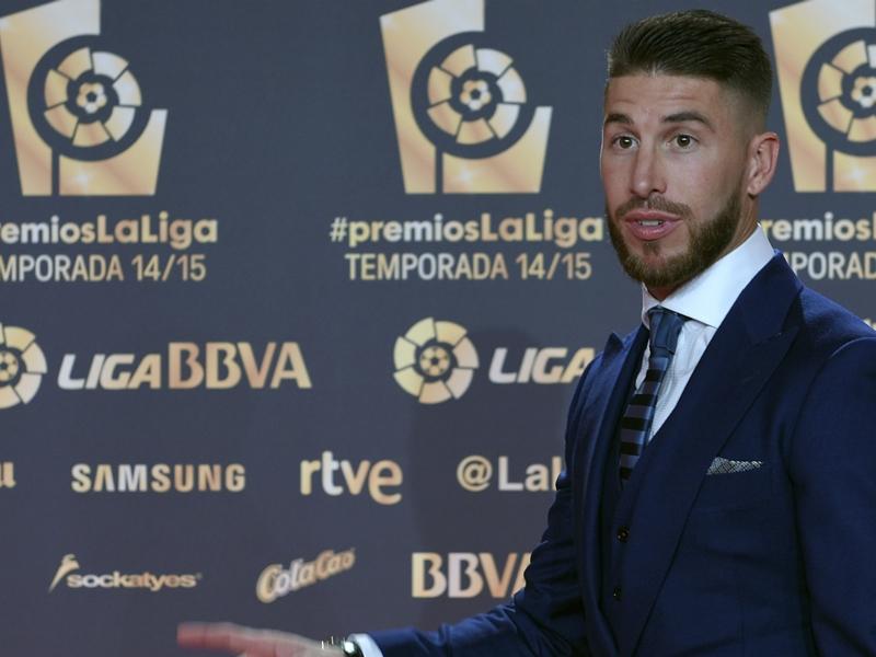"Real Madrid, Ramos : ""Barcelone doit en profiter"""
