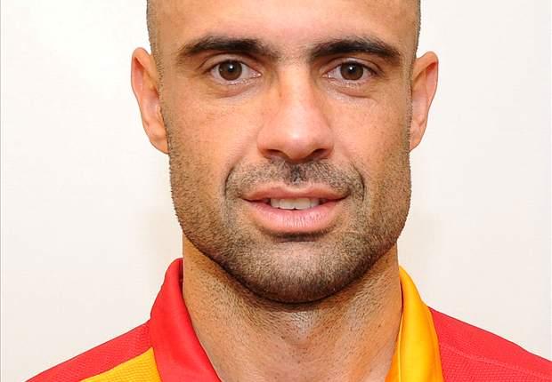 Cris rescinde contrato com Galatasaray-TUR