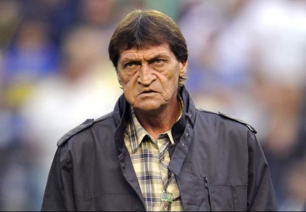 Falcioni tenía ofertas de afuera y lo buscaban de Racing e Independiente. Finalmente, firma para All Boys.