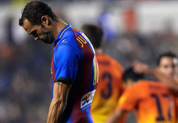 """Juanfran Bantah """"Mengalah"""" Dari Barcelona"""