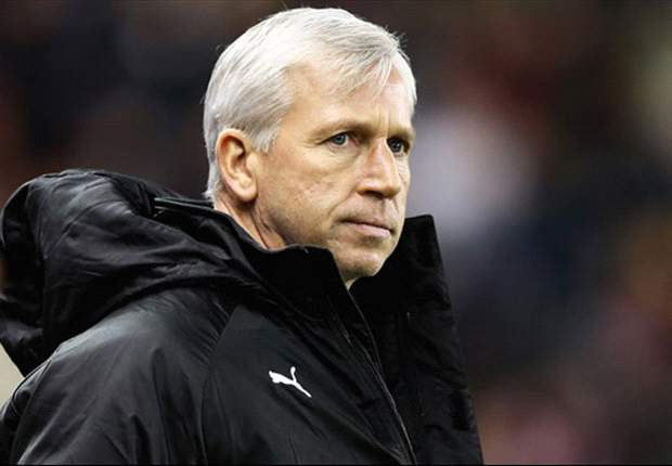Pardew admits to feeling under pressure after Newcastle's poor form