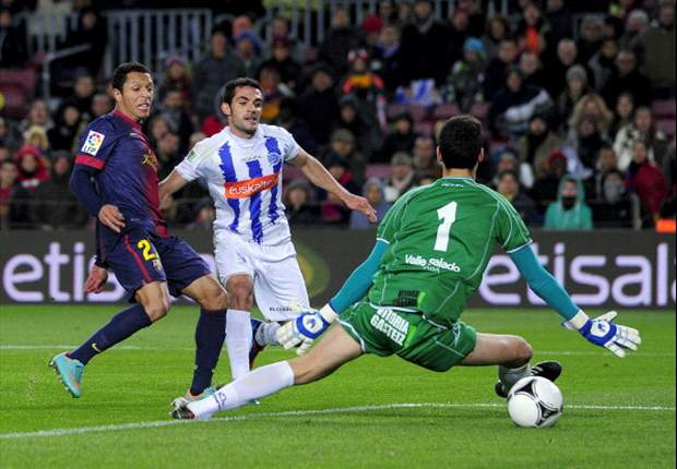 Adriano: We will do everything to help Messi