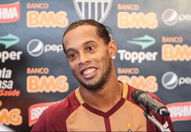 """Ronaldinho elogia Messi, mas acredita em Neymar: """"Ele se tornará o melhor do planeta"""""""