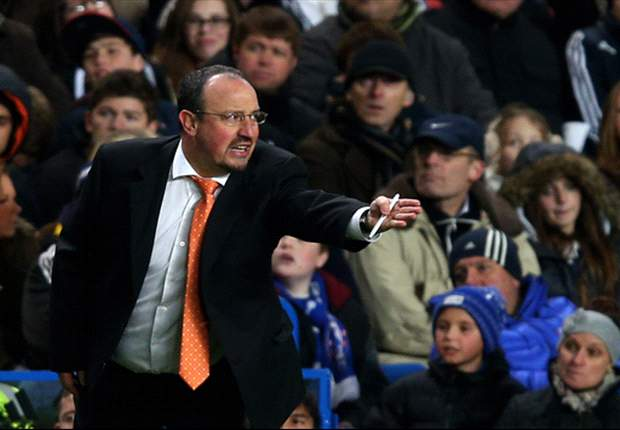 'There aren't many players here' - Benitez bemoans Chelsea squad size
