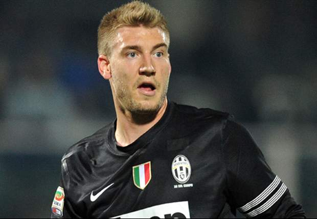 Move for Arsenal striker Bendtner unlikely, admit Frankfurt