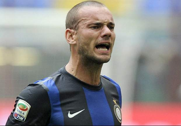 Sneijder offered to QPR, claims Redknapp
