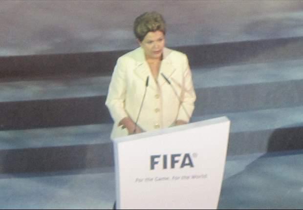 A 500 días del Mundial 2014... Brasil piensa en todo menos fútbol