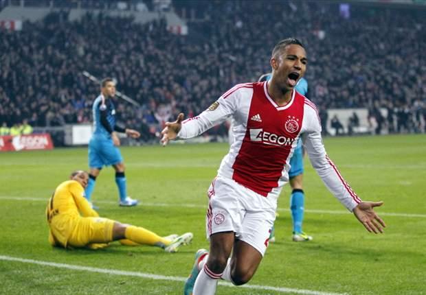 Hoesen daagt zichzelf uit bij Ajax