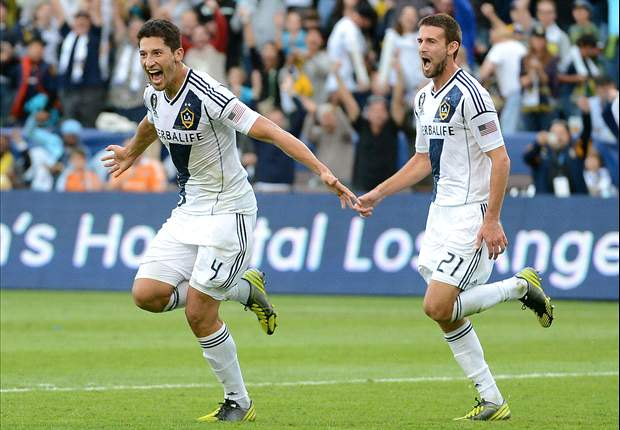 LA Galaxy 3-1 Houston Dynamo: Dream end for Beckham as Robbie Keane completes scoring in MLS Cup victory