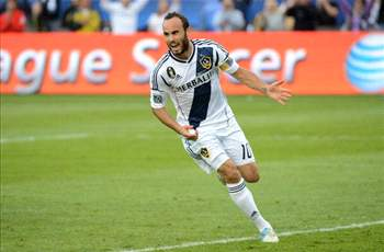 Ahead of uncertain future, Donovan redeems himself with game-winning goal