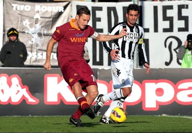 La Roma tuvo que esperar hasta el final para superar al débil Siena