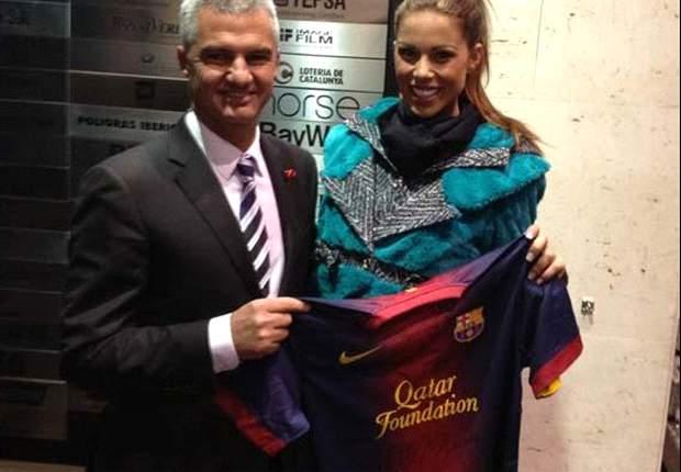 Miss España, con una camiseta del Barcelona a Miss Universo