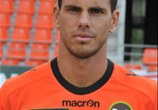Lorient Pagari Jeremie Aliadiere Dari Buruan Klub Inggris