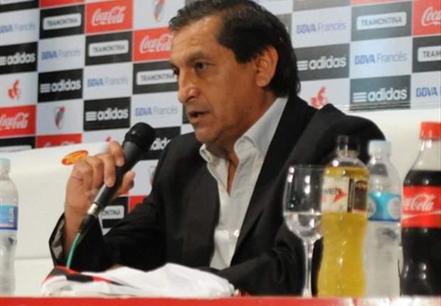 Ramón Díaz no descarta a Ortega como ayudante