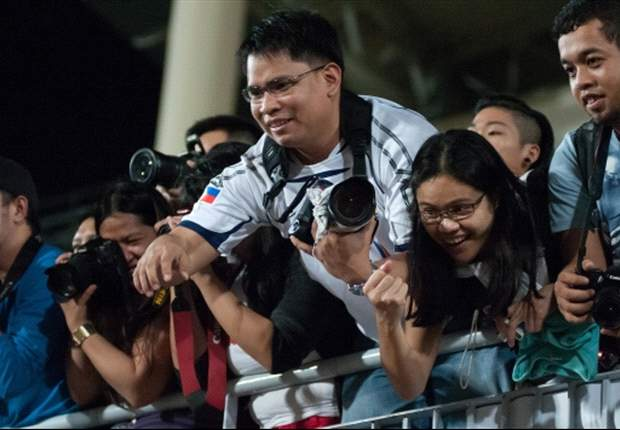 Singapore fans ready for red-hot showdown with Philippines