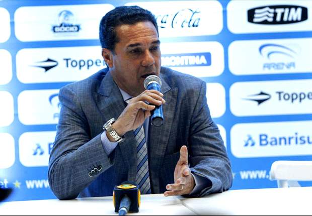 Grêmio: Luxemburgo critica assessor