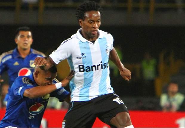 Zé Roberto renova mais um ano e quer terminar carreira no Grêmio
