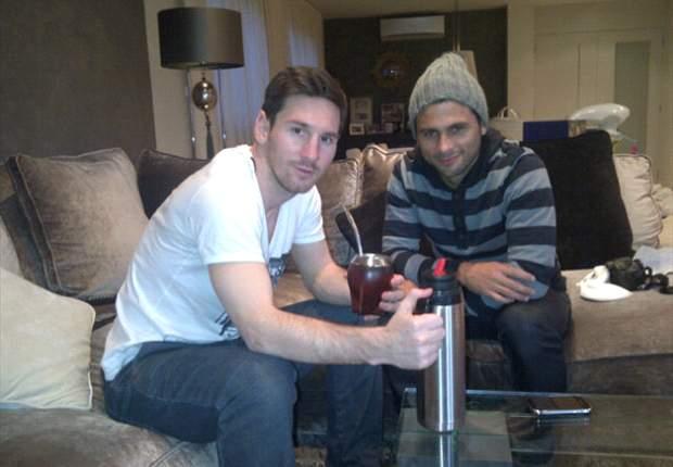 Lionel Messi y un 'mate' de celebración con su primo