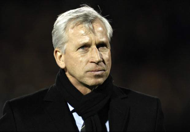 Pardew eyeing player with 'power and pace' to replace Ba