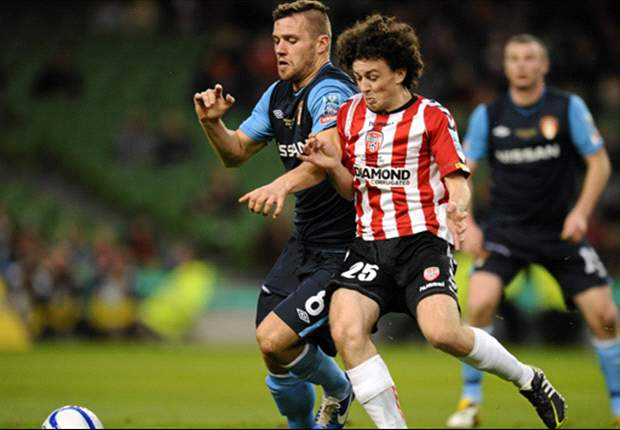 Derry City midfielder Barry McNamee completes Nottingham Forest trial