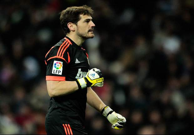 Casillas 'working hard' to regain Real Madrid spot