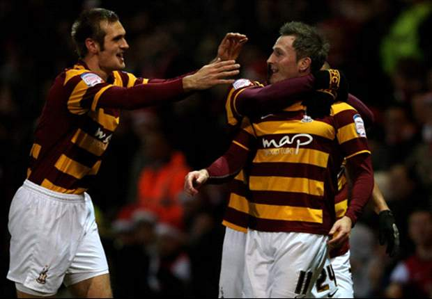 Bradford 1-1 Arsenal (aet, 3-2 on penalties): Vermaelen miss sends Gunners crashing out