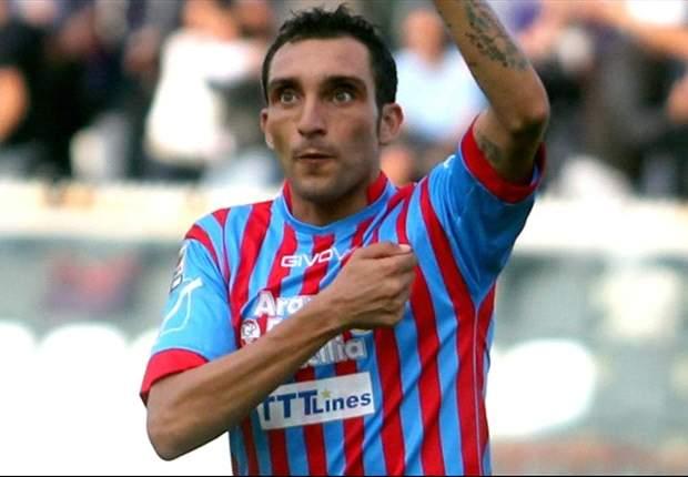 """Ma quale voglia di addio, Lodi ci tiene a chiarirsi con i tifosi: """"Mai chiesto di andare via, lotterò per il Catania fino al 2016"""""""