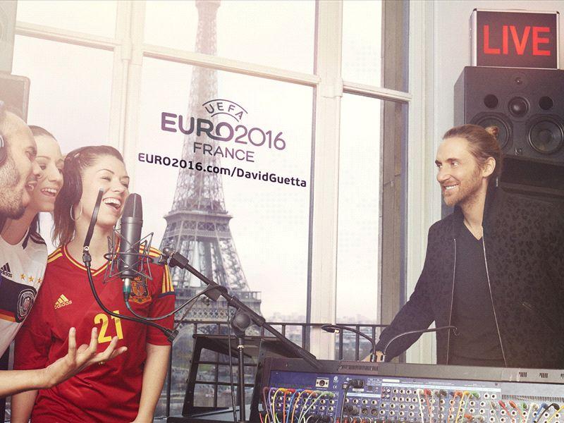 chantez l 39 hymne officiel de l 39 uefa euro 2016 avec david guetta. Black Bedroom Furniture Sets. Home Design Ideas