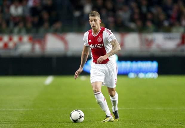 Alderweireld weer centraal tegen Vitesse