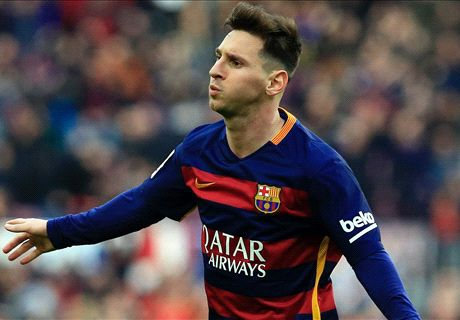 Messi SPAT AT by River Plate fans