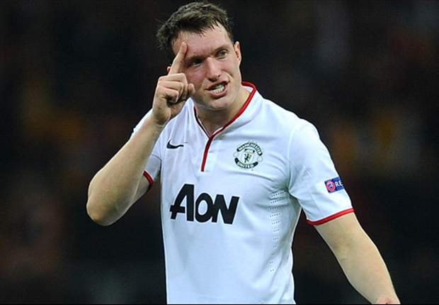 Jones eyeing Manchester United centre-back berth