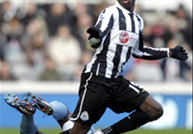 Newcastle boss Pardew hopeful on keeping Ba