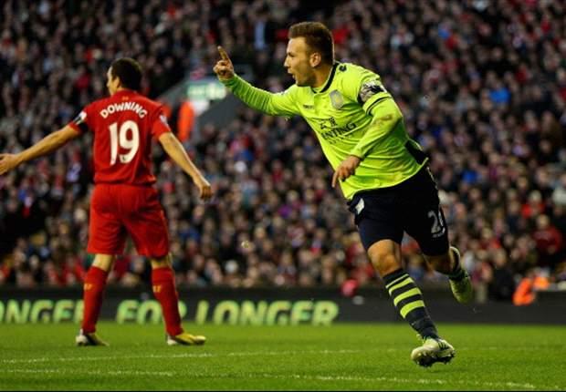 Liverpool 1-3 Aston Villa: Los villanos asaltan Anfield y hunden un poco mas al Liverpool